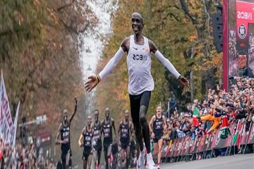 Kenya runs a two-hour marathon in Vienna