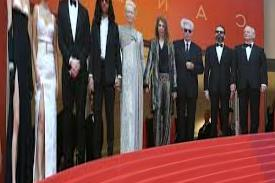 Cannes Opens With Jim Jarmusch's Zombie Comedy | Film & amp; Series | SWR2 | SWR