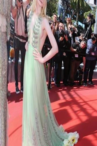 Cannes, Elle Fanning: sick at too tight dress party & nbsp; - & nbsp; Repubblica.it