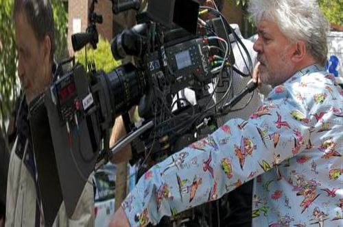 The power of memory, the power of imagination. Almodóvar's new film celebrates triumph in Cannes
