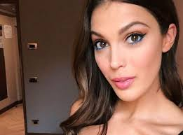 Iris Mittenaere sublime with bangs at the NRJ Music Awards, Diego behind the scenes